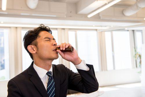 栄養ドリンクではダメ!?慢性的な仕事疲れを1分で軽くする方法