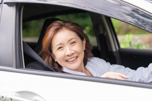 クリアな毎日で車の運転にも自信が!あらゆる年齢層から感動の声続出の「スッキリ習慣」が本当にすごい